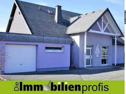 Wohnen + Arbeiten: Haus mit ca. 300 m² in Schwarzenbach am Wald