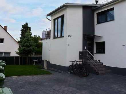 Sanierte Maisonette-Wohnung mit vier Zimmern und Balkon in Kleiningersheim