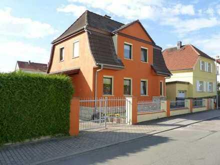 Saniertes Einfamilienhaus mit schönem Grundstück