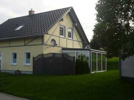 neu errichtetes Einfamilienhaus mit großem Wintergarten in schöner Wohnlage !!!