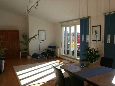 Freundliche 3-Raum-Penthouse-Wohnung mit EBK und 2 Dachterrassen in Biberach