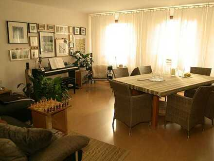 Modernisierte Wohnung mit drei Zimmern und Balkon in Balingen