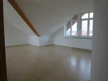 Großzügige Dachgeschosswohnung mit 4 Zimmern