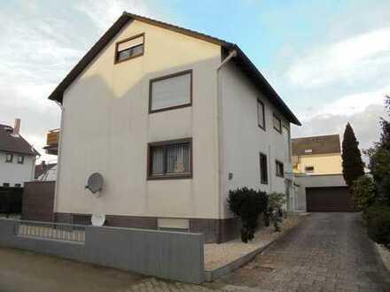 Nauheim: Schicke 2-Zimmer-Wohnung in 4-Familienhaus
