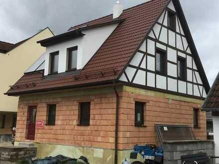 Erstbezug: freundliches 6-Zimmer-Einfamilienhaus mit Einbauküche in Uhingen, Göppingen (Kreis)