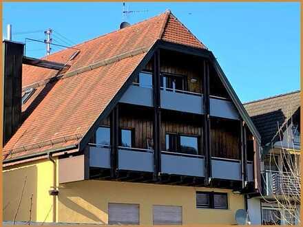 Großzügige 2-Zimmer-Dachgeschosswohnung - mitten im Städtle - schöner Balkon - ab 01.05. frei !
