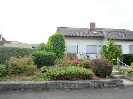 Großes und gemütliches Einfamilienhaus mit Garten in Nordheim zu vermieten.