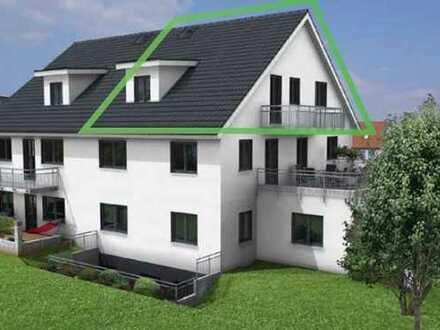 Sonnige 2 ZKB- Dachgeschoß-Wohnung mit gr. Balkon
