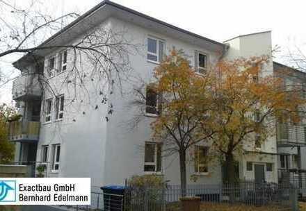 Schöne helle 3-Zimmer-Dachgeschosswohnung mit Süd-Balkon und Parkett