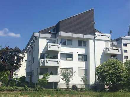 Möblierte,modernisierte 2,5-Zimmer-Hochparterre-Whg. mit Balkon, Hobbyraum & EBK in Leo-Warmbronn