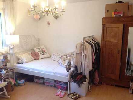 Helles 18 qm Zimmer in gemütlicher 4-er WG