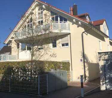 Schön geschnittene & helle 2-Zimmerwohnung mit separater Küche und Südbalkon in UNTERMENZING