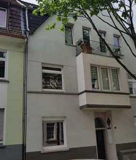 Schöne 2,5 Raum Wohnung, kernsaniert in Essen Frohnhausen kurzfristig zu vermieten