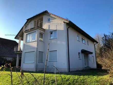 gepflegtes Mehrfamilienhaus mit drei Wohnungen in Königsbronn zu verkaufen.