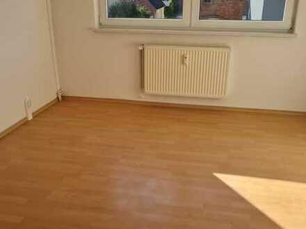 Preiswerte, gepflegte 3-Zimmer-Wohnung mit Einbauküche in Putlitz