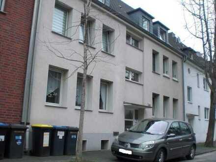 Schöne kleine 3-Raum-Wohnung in einem ruhigen und gepflegten Wohnhaus in Duisburg-Hamborn.