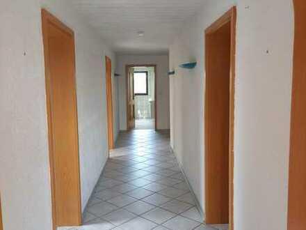 Großzügiges 2 Familienhaus mit 903 m² Grund in Ortsrandlage