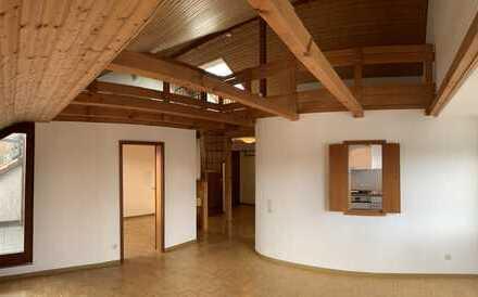 Tolle Maisonettewohnung mit sonnigem Dachbalkon