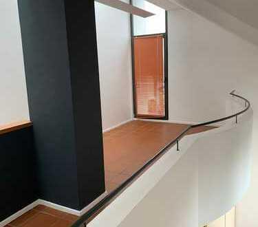 Ihre offene Galeriewohnung über 3 Etagen in Architektenhaus