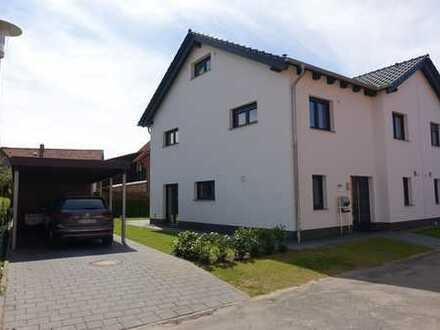 Neuwertige Doppelhaushälfte mit fünf Zimmern und EBK in Bortfeld, Wendeburg