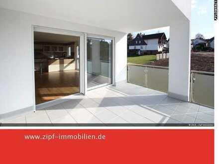 **Neuwertige großzügige 4-Zi.- Wohnung mit EBK/Fahrstuhl/Tiefgarage**