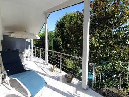 Wunderschönes Zweifamilienhaus mit zusätzlicher Wohnung und Aussenschwimmbad in Achern