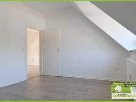 Schöne Dachgeschosswohnung mit herrlichem Ausblick für Single oder Paar mittleren Alters!