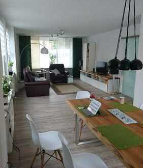 Neuwertige, stilvolle 3-Zimmer-Wohnung mit Einbauküche und Garten mit Terrasse in Erlangen