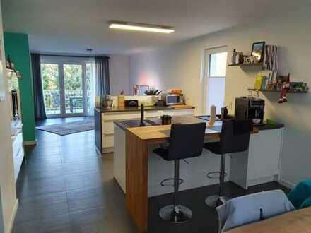 Neuwertige 4-Zimmer-Maisonette-Wohnung mit Balkon und EBK in Annweiler