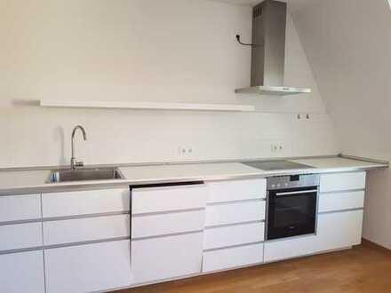 WG geeignet 3 Zimmer mit große Küche und Einbauküche