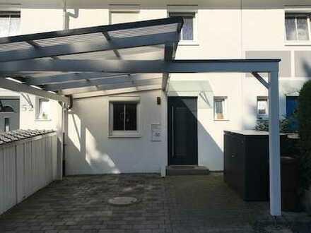 Modernisiertes RMH - 5,5 Zimmer mit EBK, Carport für 3 Jahre zu vermieten