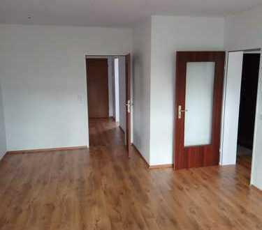 *TOP* Renovierte 3-Zimmerwohnung + 2 Balkone