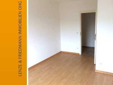 Helle drei Zimmer Wohnung mit Balkon in Köln-Dellbrück