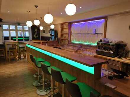 Geräumige & voll ausgestattete Bar in der Landshuter Innenstadt zu vermieten