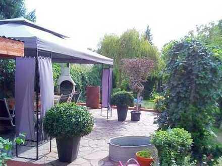 Repräsentative Stadtvilla mit gepflegtem Garten