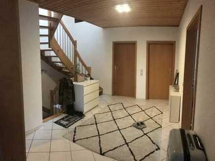 4 Zimmer Maisonette Wohnung, Garten+Stellplatz