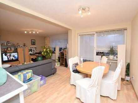 Gepflegte, großzügige 4-Zimmer-Eigentumswohnung mit Balkon in Weddel.