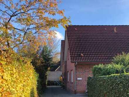 Ruhig gelegene Doppelhaushälfte - 4 Zi - in Oldenburg (Ofenerdiek)
