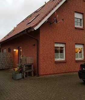 Schöne 1-Zimmer Wohnung über 2 Etagen mit EBK & Hof
