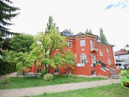 Traumwohnung mit über 400 m² am Großen Garten! Haus im Haus!