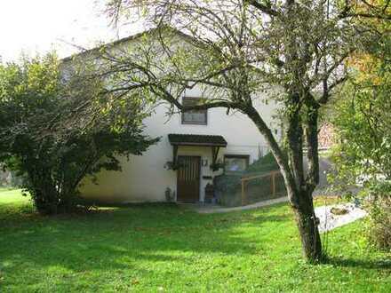 Freistehendes Ein-/Zweifamilienhaus mit schönem Fernblick in ruhiger Wohnlage zu verkaufen!