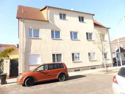 Neu sanierte 2 Zimmer Wohnung mit Gartennutzung -zentral gelegen-