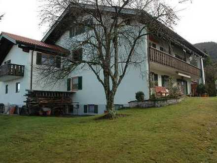 Ein nicht alltägliches Angebot! Interessantes Mehrfamilienhaus mit 4 Wohneinheiten in Ohlstadt