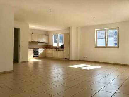 Schöne Wohnung in Bornstedt mit Komfortausstattung! 1. OG, Aufzug, Balkon, Wa-Du-Bad, tw. Parkett...
