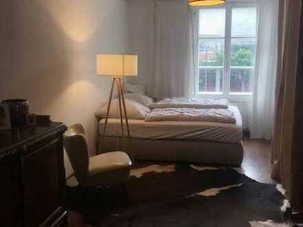 Stilvolle, gepflegte 2-Zimmer-Wohnung mit Balkon und EBK in Haidhausen, München