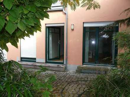 Manching EG Appartement, 40 m2, TG, kleiner Garten