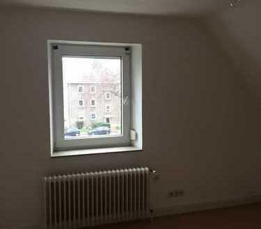 Preiswerte 3-Zimmer-DG-Wohnung zur Miete in Marl