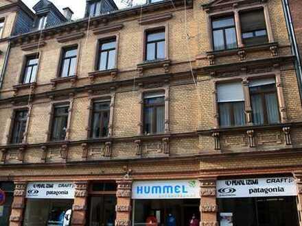 Helles Ladenlokal Nähe Kranzplatz