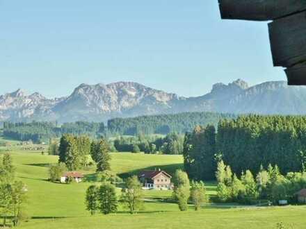Studio mit Alpenpanorama bei Seeg im Ostallgäu