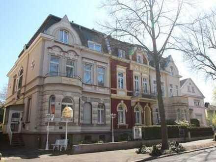 Die Gelegenheit: Zwei Gründerzeithäuser im Villenviertel